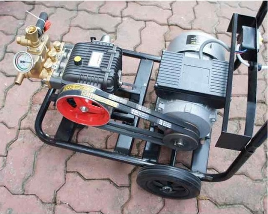 Giá máy bơm rửa xe máy hiện nay trên thị trường